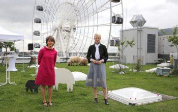 Bürgermeisterin Katrin Habenschaden und Klimareferentin Christine Kugler
